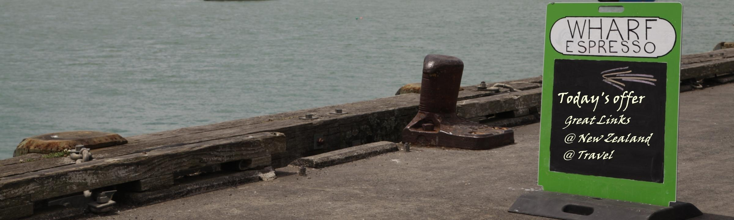 Ausblick von einer Pier auf den See