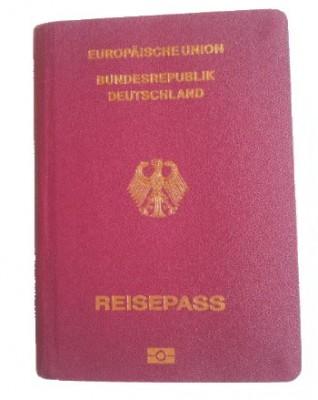 aktueller Reisepass für den Urlaub
