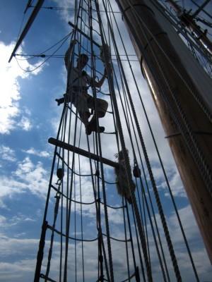 R. Tucker Thompson - hoch auf den Mast