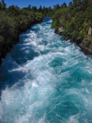 Wirbelnde Wasser am Huka Fall