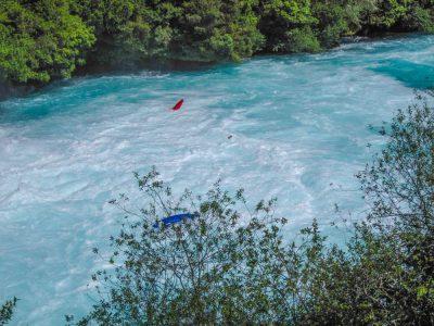 Mit dem Kajak die Huka Falls hinunter