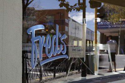 Auf der Ponsonby Road bei Fred's