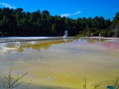 Champagne Pools im Wai-O-Tapu Thermal Park