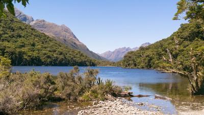 Lake Howden im Fiordland Neuseelands