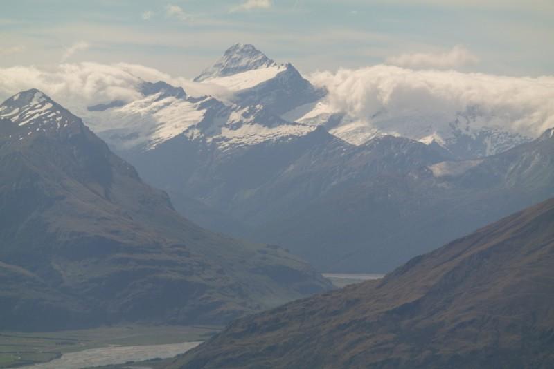 Mt. Aspiring mit Gletschern auf der Spitze.