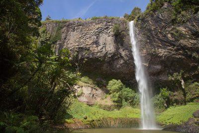 Hier erkennt man, wie der Wasserfall seinen Namen erhielt