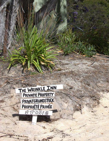 Schild mit dem Aufschrift Privat Grundstück - betreten verboten