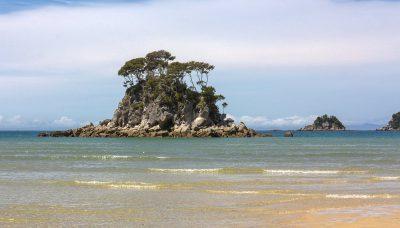 Eine kleine Insel in der Tasman Bay