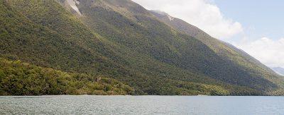 Buchenwälder bis zum See hinunter