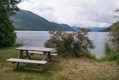 Picknickplatz am Lake Rotoroa - wenn nicht die vielen Sandflies wären