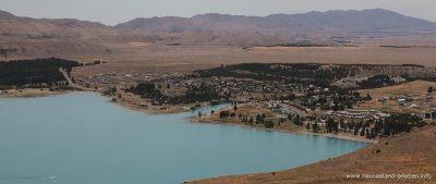 Blick auf Tekapo Village vom Mount John