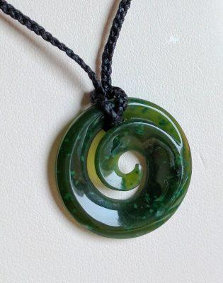Neuseeländische Jade - das Koru Zeichen
