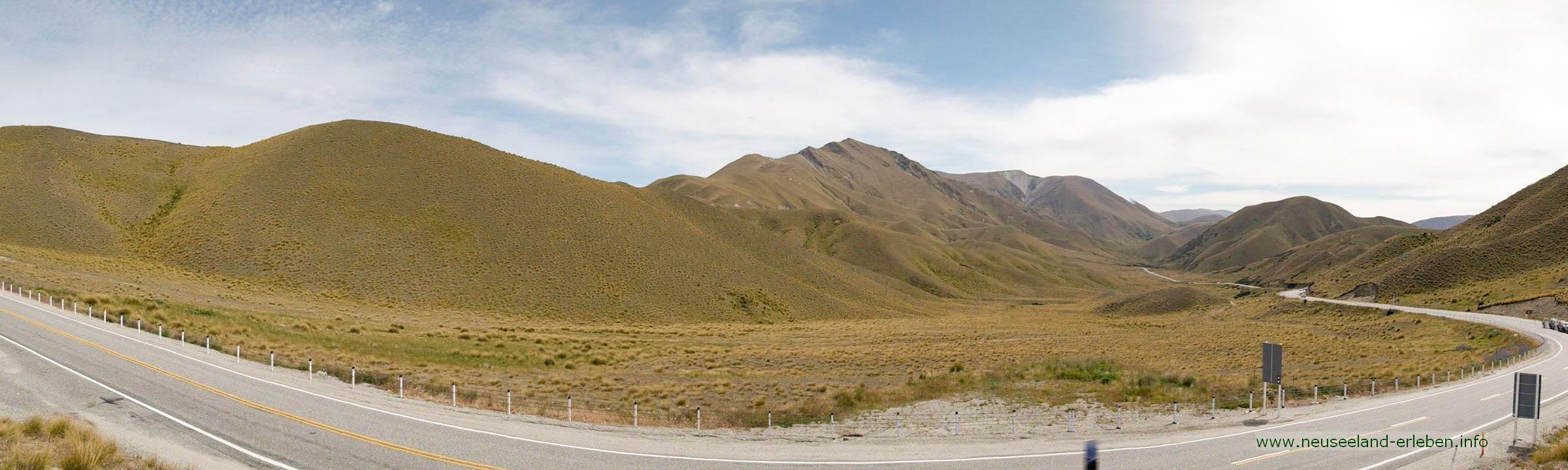 Lindis Pass – Fernsicht in braun-gelb