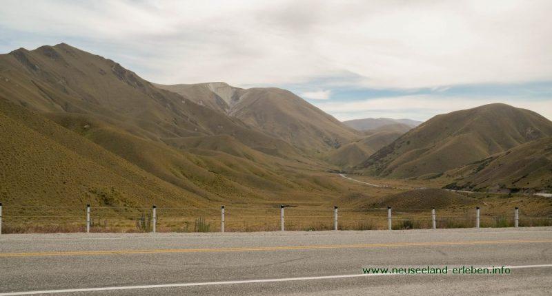 Der Schotterparkplatz am Lindis Pass