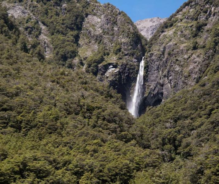 Devils Punchbowl auf dem Arthur's Pass auf Neuseeland