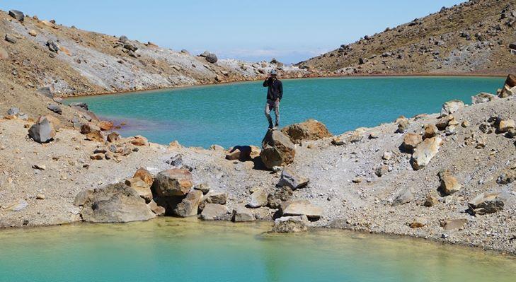 Tongariro Crossing - Emerald Lakes