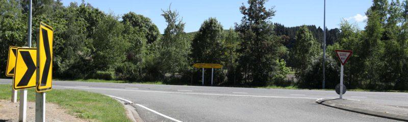 Straßenkreuzung in Neuseeland