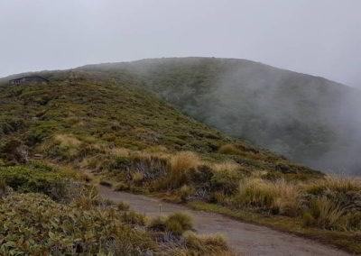 Das Wolkenband nahm kein Ende - somit war auch kein klarer Blick auf den Vulkan möglich.