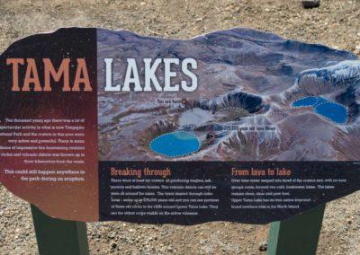 Ein Schild mit der Erklärung zu den Tama Lakes