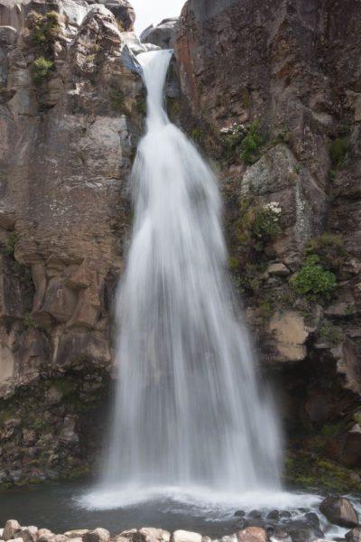 Der Taranaki Wasserfall