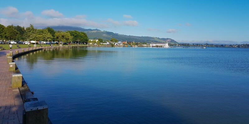 Rotorua's Uferpromenade