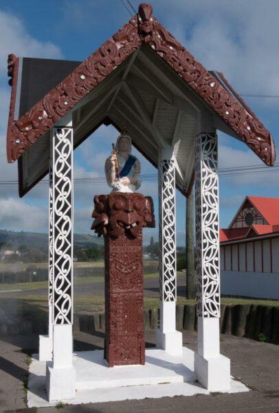 Maorische Statur der Queen